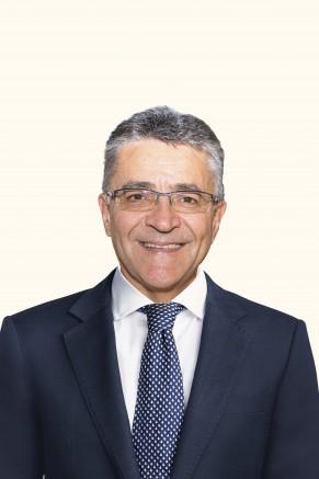 Scott Elphinstone, Chairman - Fidelity Bank Cayman Islands